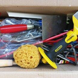 Наборы инструментов и оснастки - Коробка с инструментами, 0