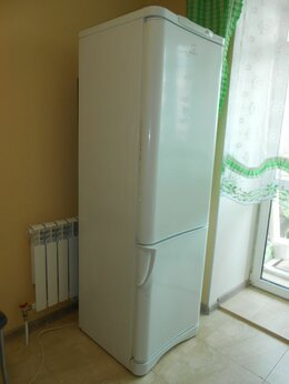 Холодильники - Холодильник indesit., 0