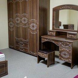Шкафы, стенки, гарнитуры - Спальный гарнитур Каролина, 0