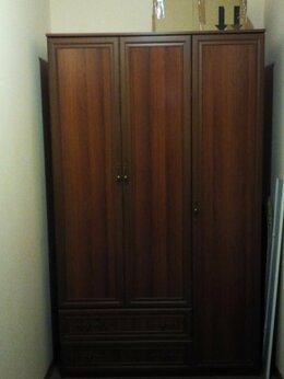 Шкафы, стенки, гарнитуры - Трехдверный шкаф, 0