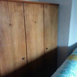 Шкафы, стенки, гарнитуры - Шкаф трехстворчатый ГДР, полированный, в идеальном состоянии, 0