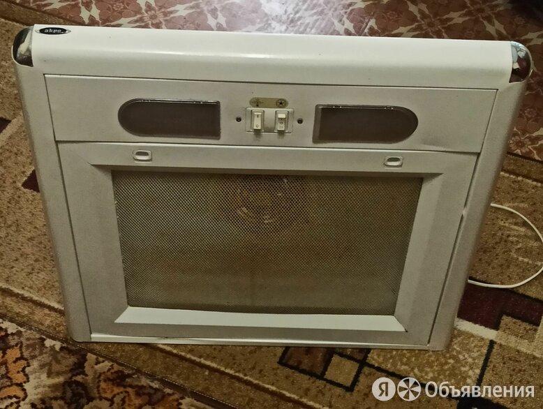 Кухонная вытяжка в хорошем состоянии по цене 600₽ - Вытяжки, фото 0