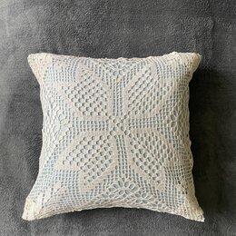 Декоративные подушки - Подушка с кружевной наволочкой / ручная работа, 0