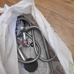 Смесители - Б/у смеситель с душем от застройщика, 0