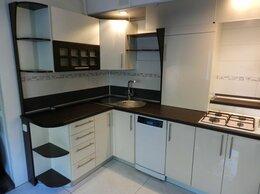 Мебель для кухни - Угловая современная кухня с фасадами акрил…, 0