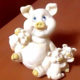 Статуэтки и фигурки - Фигурка свинья с поросятами, 0
