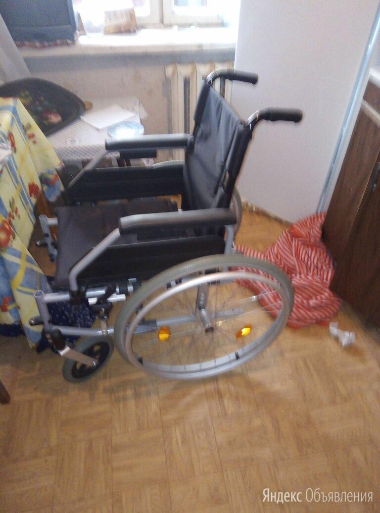 Инвалидная коляска в квартире  по цене 5000₽ - Устройства, приборы и аксессуары для здоровья, фото 0