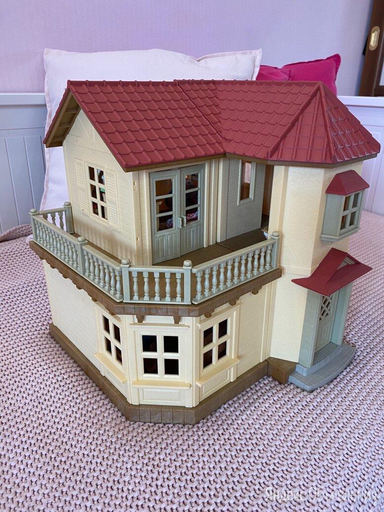 Большой дом со светом Sylvanian Families  по цене 4000₽ - Игровые наборы и фигурки, фото 0