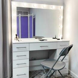 Дизайн, изготовление и реставрация товаров - Гримёрный столик с гримёрным зеркалом, пуф, 0