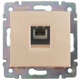 Электроустановочные изделия - Розетка телефонная RJ11х1 в рамку бежевая (695622), 0