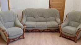 Диваны и кушетки - Мягкая мебель: диван и два кресла (Италия), 0