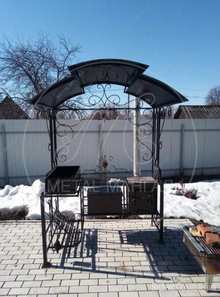 Мангал Кованный с крышей Модерн с коптильней  по цене 37200₽ - Грили, мангалы, коптильни, фото 0