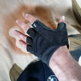 Аксессуары - Спортивные мужские перчатки и  шапку, 0