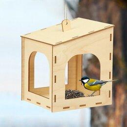Игрушки и декор  - Кормушка для птиц «Домик малый», 15 × 14 × 17 см, 0