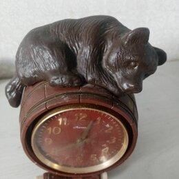 Часы настольные и каминные - Часы с медведем на бочонке. Рабочие часы. СССР  , 0