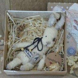 Мягкие игрушки - Подарочные зайцы в коробке, 0