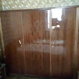Шкафы, стенки, гарнитуры - Шкаф массив дерева трехстворчатый ссср Румыния, 0