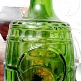 Этикетки, бутылки и пробки - бутылка в форме бочонка,зеленое стекло,старая, 0