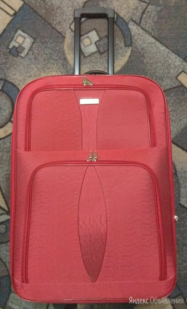 Чемодан дорожный красный по цене 1500₽ - Чемоданы и аксессуары к ним, фото 0