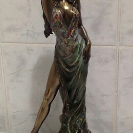 Статуэтки и фигурки - Статуэтка Девушка в платье 2002г Veronese, 0