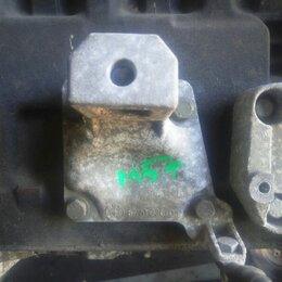 Двигатель и топливная система  - Кронштейн двигателя правый Bmw 5 E39 M57D30, 0