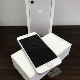 Мобильные телефоны - iPhone 7 Silver, 0