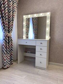Столы и столики - Гримерный стол и гримерное зеркало с подсветкой , 0