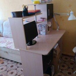 Компьютерные и письменные столы - Продам письменный стол , 0