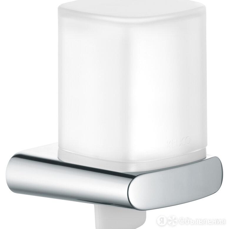 Дозатор для жидкого мыла настенный, клапан снизу Keuco Elegance 11652019000 по цене 12661₽ - Мыльницы, стаканы и дозаторы, фото 0