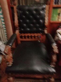 Диваны и кушетки - Старинная мебель:диван,два кресла и шкаф., 0