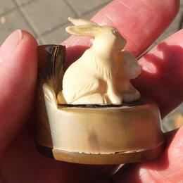Статуэтки и фигурки - костяная статуэтка Зайки, резьба по клыку моржа, 0