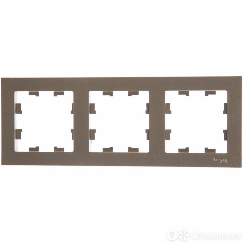 Универсальная трехместная рамка Schneider Electric ATLAS DESIGN по цене 215₽ - Электроустановочные изделия, фото 0