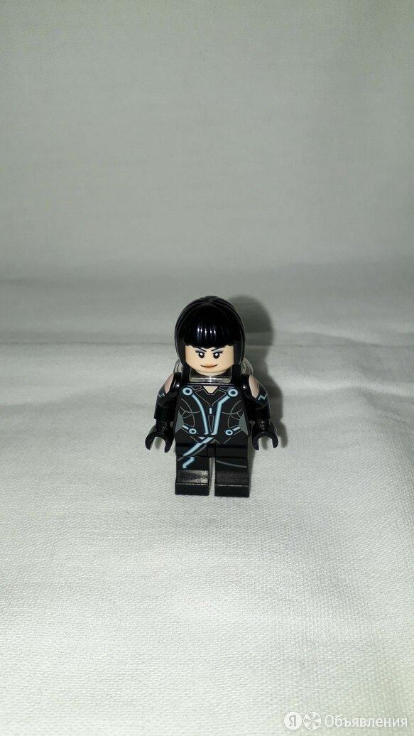Lego 21314 TRON Legacy Lightcycle - Quorra по цене 400₽ - Конструкторы, фото 0