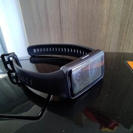 Умные часы и браслеты - Фитнес браслет Huawei band 6, 0