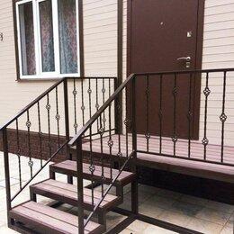 Лестницы и элементы лестниц - Металлическая лестница, степени с перилами, 0