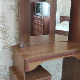 Столы и столики - Туалетный столик , 0