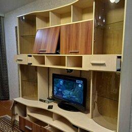 Стеллажи и этажерки - Стенки в гостиную со шкафом для одежды и для посуды б//у, 0