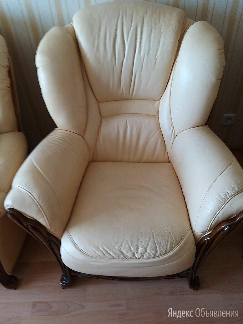 Кожаные кресла б/у по цене 5000₽ - Кресла, фото 0