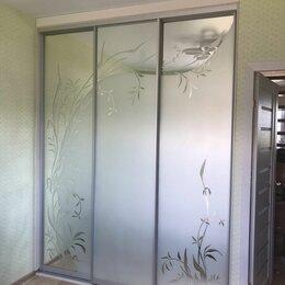 Шкафы, стенки, гарнитуры - Шкаф-купе с пескоструйным рисунком, 0