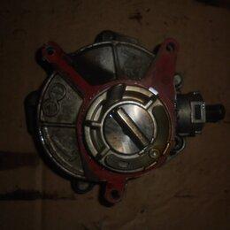 Двигатель и топливная система  - Audi A6 2004-2011 год (C6) Вакуумный насос, 0