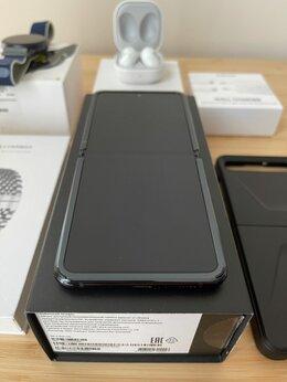 Мобильные телефоны - Samsung Galaxy Z Flip 256Gb, 0