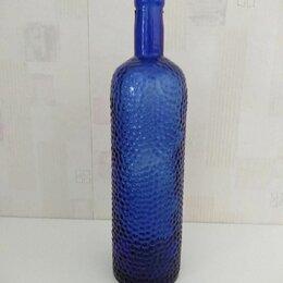 Этикетки, бутылки и пробки - Темно-синяя стеклянная бутылка с рифленой поверхностью, 0
