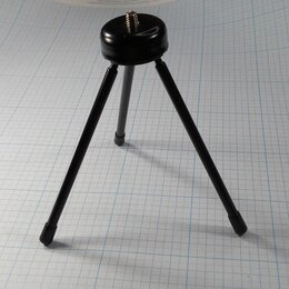 Штативы и моноподы - Настольный металический штатив на трех ножках, 0