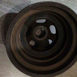 Двигатель и топливная система  - Шкив коленвала M111, 0