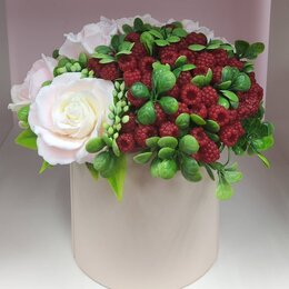 Цветы, букеты, композиции - Интерьерная композиция с малиной и розами, 0