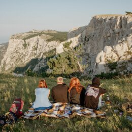 Экскурсии и туристические услуги - Пешие походы, 0