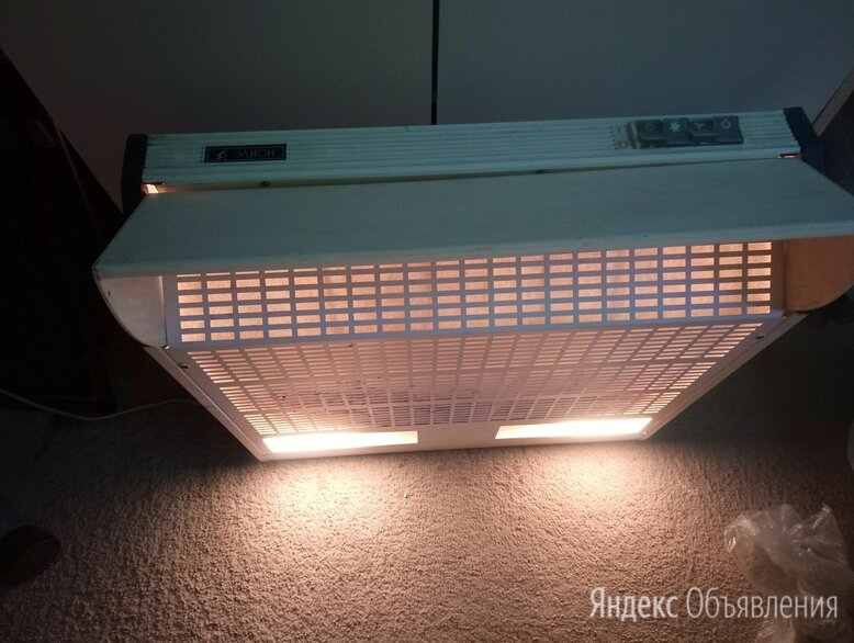 Подвесная вытяжка Элион бактерицидной лампой по цене 500₽ - Вытяжки, фото 0