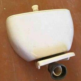 Бачки для унитазов - Бачок советский для унитаза с крышкой, сиденье и подиум - стелла для раковины бу, 0