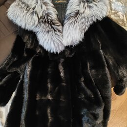 Шубы - Норковая шуба с чернобуркой на капюшоне, 0
