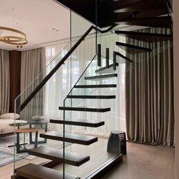 Лестницы и элементы лестниц - Стеклянная лестница, 0